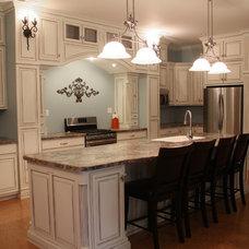 Traditional Kitchen by Kitchen & Bath Trends of Kansas, LLC
