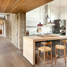 Contemporary Kitchen by hughesumbanhowar architects
