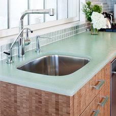 Modern Kitchen BioGlass Kitchen Counters