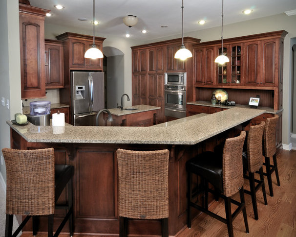 Traditional Kitchen by Wende Woodworking LLC
