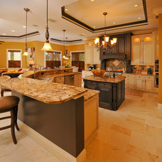 Traditional Kitchen by Linda Spry Interior Design