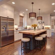 Kitchen w White Cabinets