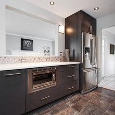 Modern Kitchen by Laurysen Kitchens Ltd.