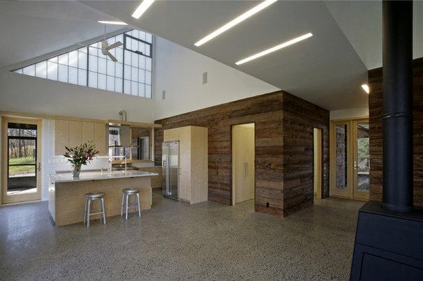 Modern Kitchen by Lynn Gaffney Architect, PLLC