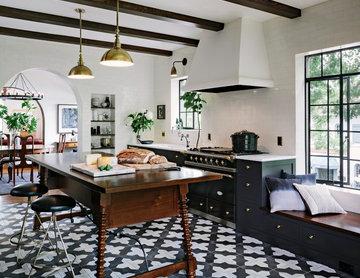 Black-and-White Badajoz for a Stylish Portland Condo