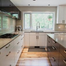 Contemporary Kitchen by Jake Klassen's Kitchen Gallery