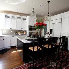 Traditional Kitchen by Kitchen Mart