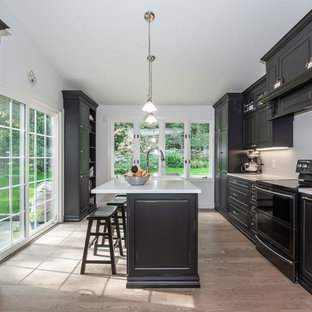 Norwalk Black & White Kitchen