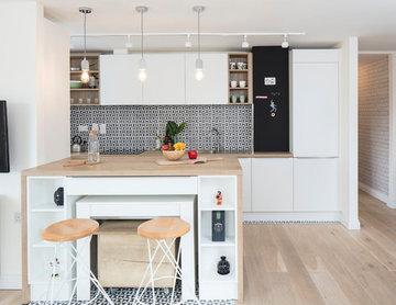 Black and white pattern kitchen