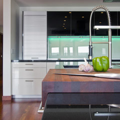 contemporary kitchen by Partners 4, Design