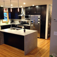 Modern Kitchen by CliqStudios Cabinets