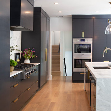 Black Kitchen Cabinets in Contemporary Home