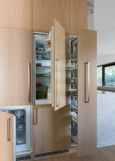 Modern Kitchen by STUDIOMINT
