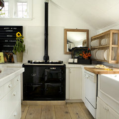 traditional kitchen by Philip Clayton-Thompson