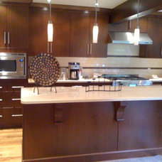 Modern Kitchen by Angelo Vallianatos, Sales/Designs of Kitchen Craft
