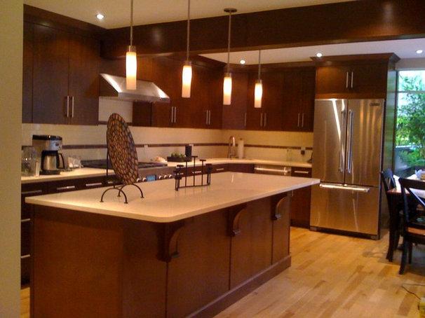 Modern Kitchen by Angelo Vallianatos, Sales/Designs of Kitchen Craft