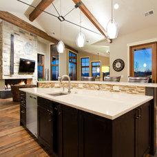 Traditional Kitchen by Tomlinson Designs