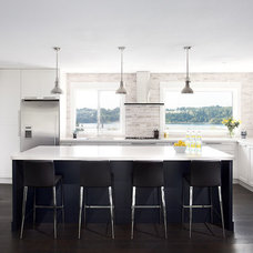 Contemporary Kitchen by Moeski Design Agency