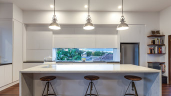 Blended Traditional & Contemporary Queenslander