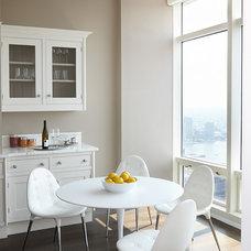 Modern Kitchen by Tara Benet Design