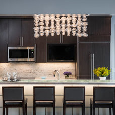 Contemporary Kitchen by Tutto Interiors