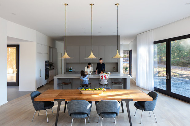 Modern Kitchen by Keith Isaacs Photo