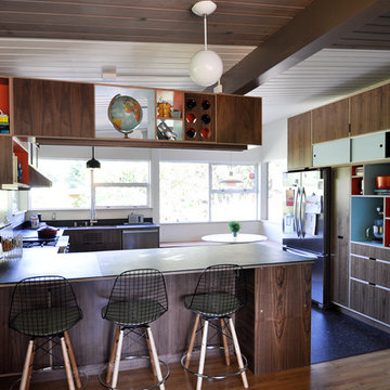 Blue Ridge Mid Century Modern Kitchen