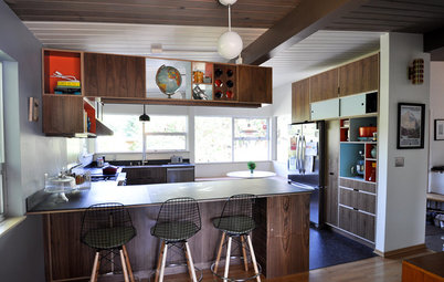 Kitchen of the Week: Light, Chalkboard and Midcentury Style