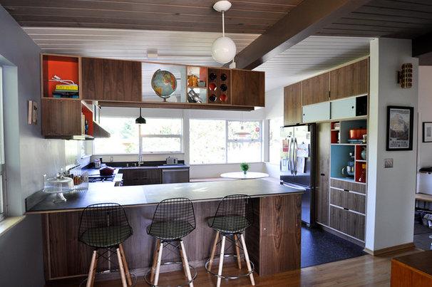 Modern Kitchen by Fivedot Design Build