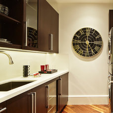 Contemporary Kitchen by Cudmore Builders