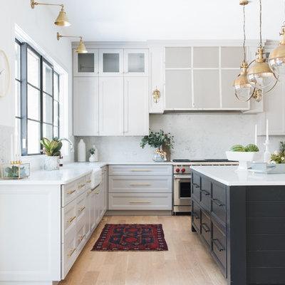 Kitchen photo in Chicago