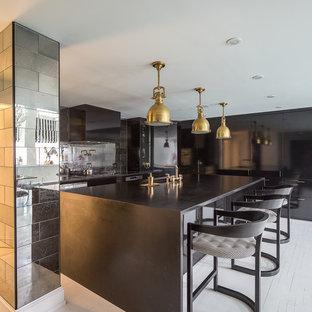 Создайте стильный интерьер: кухня в современном стиле с столешницей из талькохлорита и деревянным полом - последний тренд