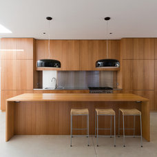 Modern Kitchen by Fearns Studio