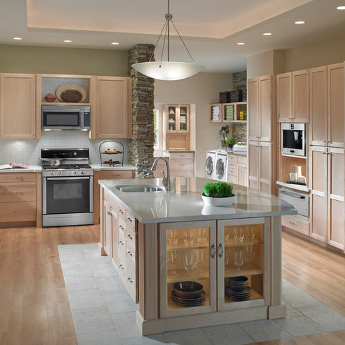 4 Elements Could Bring Out Traditional Kitchen Designs: Over The Range Microwave