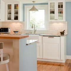 traditional kitchen by Boston Green Building