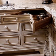 Traditional Kitchen by Woodland Furniture