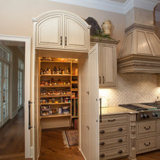 Traditional Kitchen by Ryan Smith Builders, LLC.