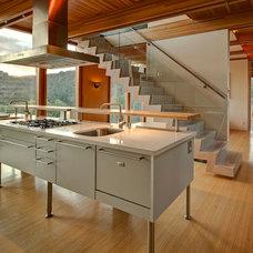 Contemporary Kitchen by A+E Architecture