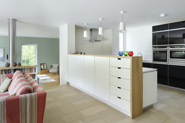 Contemporary Kitchen by PAD studio