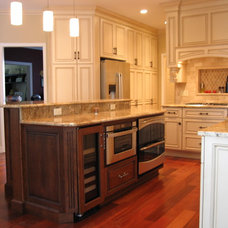 Traditional Kitchen by Design Solutions, Inc.