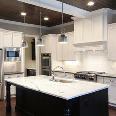 Modern Kitchen by Pixel Interiors Photography