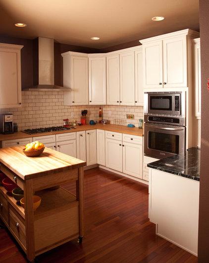 Traditional Kitchen by Jamestown Builders