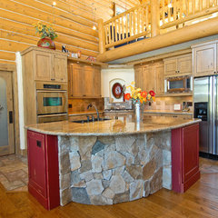 traditional kitchen by Mountain Log Homes of CO, Inc.