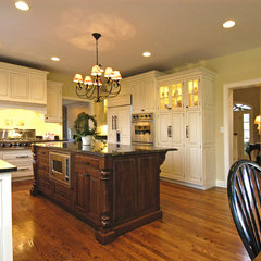 traditional kitchen by DDK Kitchen Design Group, Inc.