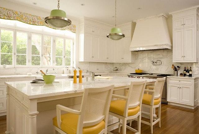 Traditional Kitchen by Elizabeth Dinkel