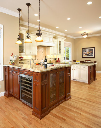 Traditional Kitchen by Gayler Construction