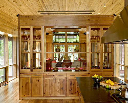 Example Of A Country Kitchen Design In Charleston With Medium Tone Wood Cabinets