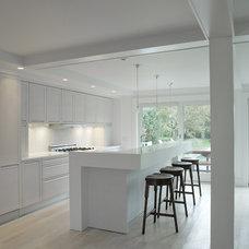 Beach Style Kitchen by Naiztat + Ham Architects, P.C