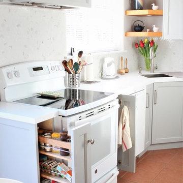 Bright and quaint Kitchen