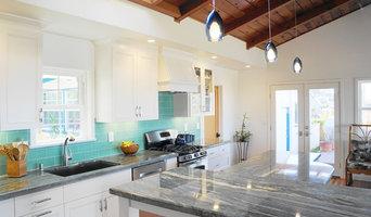 Bright Coastal Kitchen